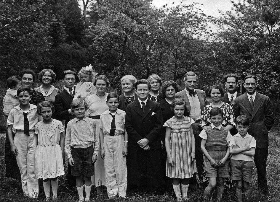 Au pied du Ferrand, Pierre Richard-Willm en vacances pendant l'été 1934. Photo H. Richard. Coll. Michel E. Richard ( L' Album de Mens et du Trièves, éd. Béthoux )