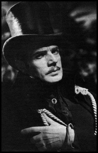 Pierre Richard-Willm dans Le Comte de Monte-Cristo.